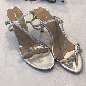 Size 8.5 Via Spiga Silver heel